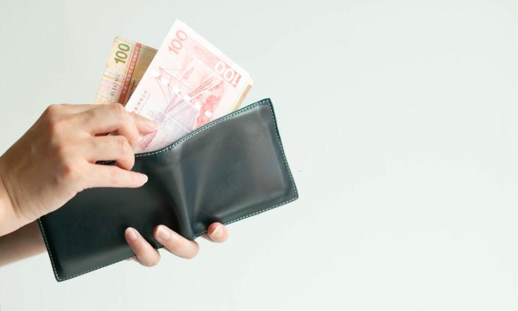 Berdosakah Mengambil Kelebihan Kembalian Belanja?