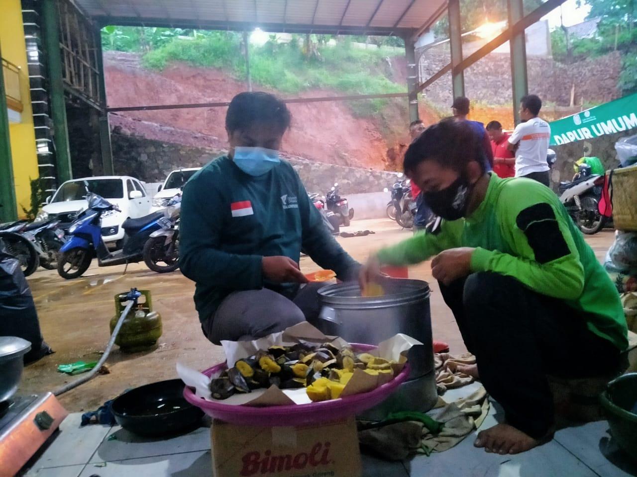 DD Jabar Terjunkan Relawan ke Lokasi Bencana Tanah Longsor di Sumedang