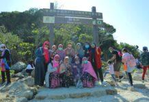 Tafakur Alam ke Sharp Island Bersama Komunitas Sahabat TGB