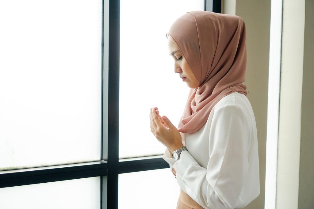 Bolehkah Kita Mengucap Tuhan?