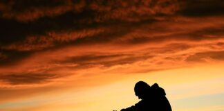 Kenapa Orang Zalim Bahagia dan Kita yang Dizalimi Sengsara?