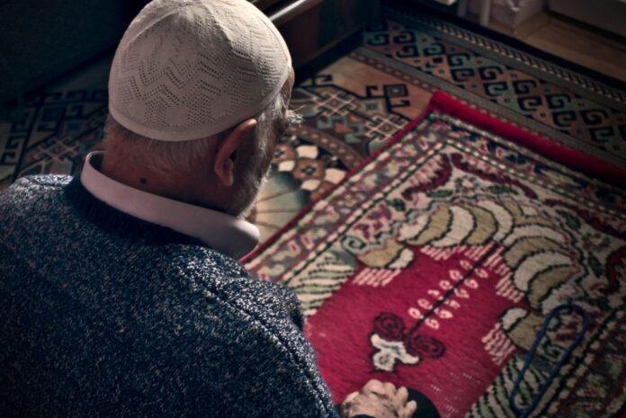 Fidyah untuk Lansia yang Sudah Tidak Mampu Berpuasa Ramadhan