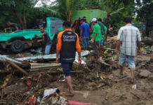 Dompet Dhuafa Terjunkan Dokter, Perawat, Bidan, hingga Apoteker ke Lokasi Bencana Banjir NTT