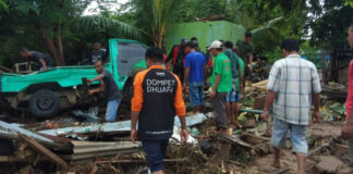 Dompet Dhuafa Send Doctors, Nurses, Midwives, and Pharmacists to the NTT Flood Disaster Area