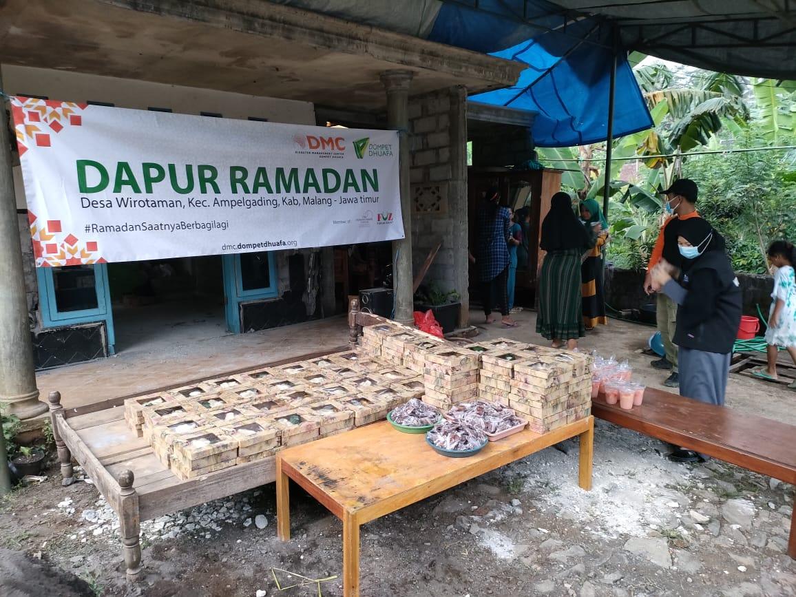 Salah satu aksi program yang dilakukan adalah pendirian Dapur Ramadhan di posko pengungsian gempa Malang.