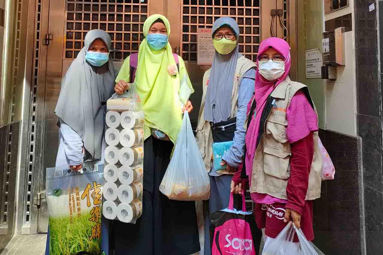 Pada Ramadhan tahun ini Tim DDHK berkunjung ke shelter IUHK dan shelter FKMPU, membawakan sembako.