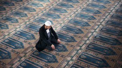 Sifat Shalat Nabi: Membaca Sholawat Nabi di Tasyahud Akhir (11)